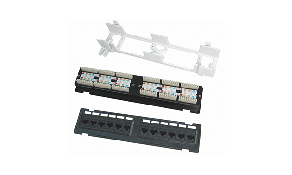 12 Port Cat5e Wall Mounted Panel